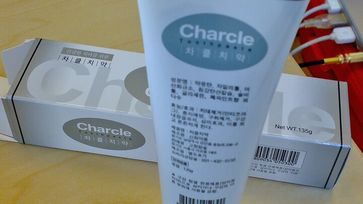 Зубная паста «Charcle»