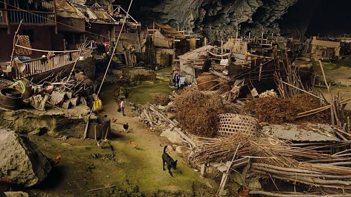 Жондон: деревня в пещере